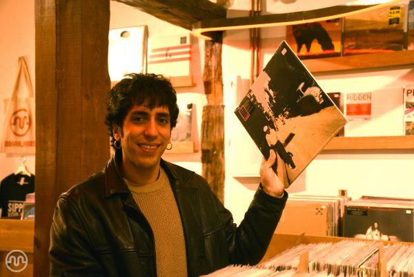 Firma de discos + showcase de Lucas Colman